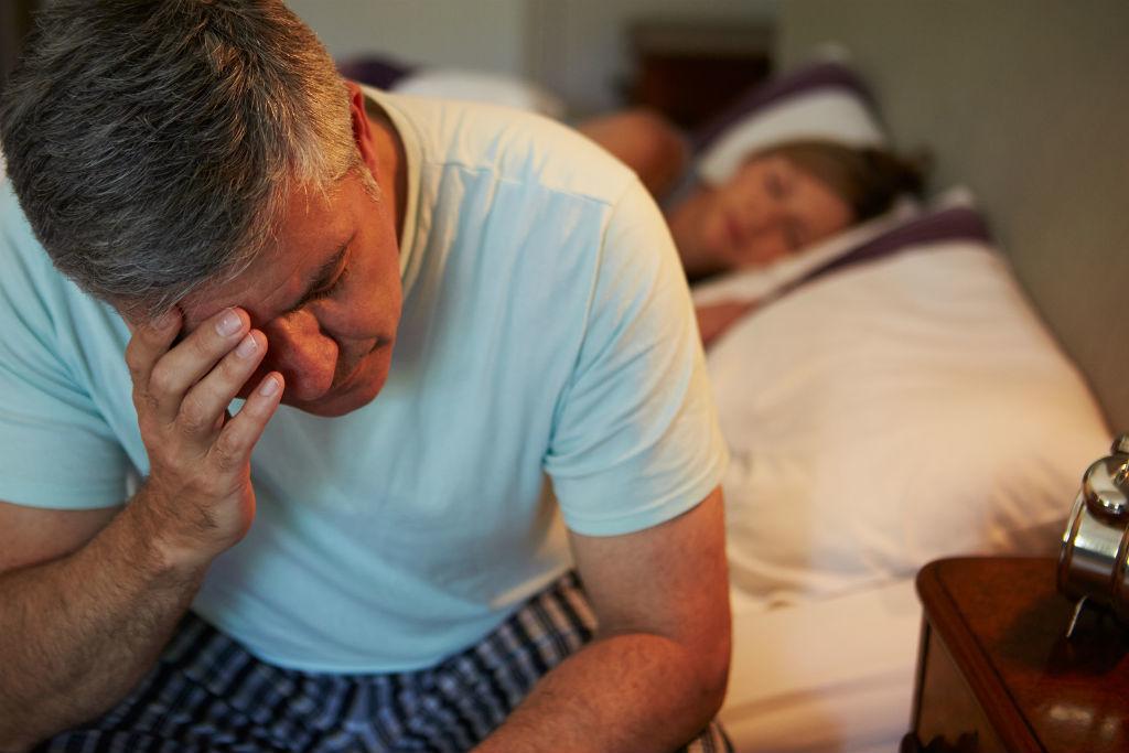Đau đầu do mất ngủ: 60% người cao tuổi mắc phải