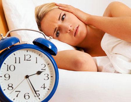 Tại sao mất ngủ kéo dài gây đau đầu?
