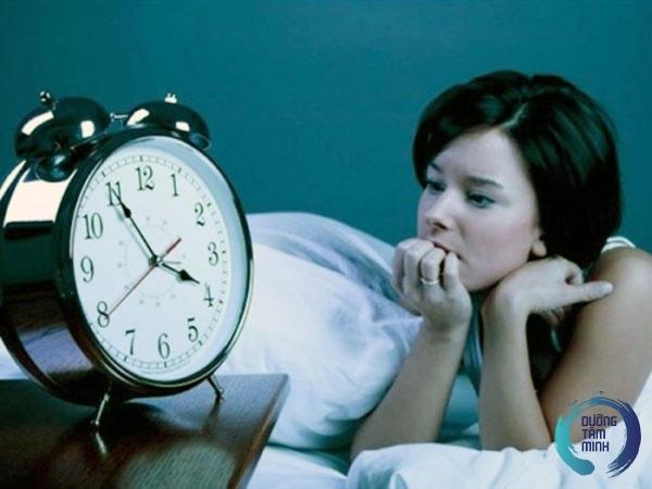 Mất ngủ có nên uống hoạt huyết dưỡng não không?